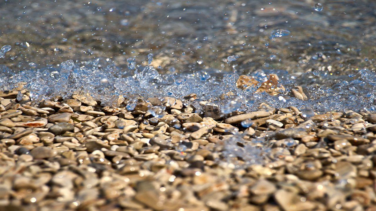 Pebbles and clear sea on the Zlatni rat beach
