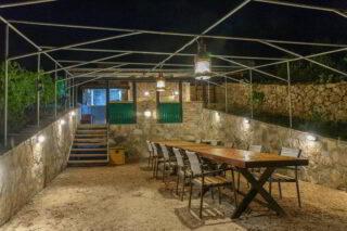Robinson-house-Galisnjok-Bol-Summer-kitchen-by-night
