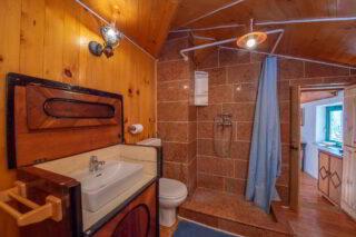 Robinson-house-Galisnjok-Bol-bathroom-1