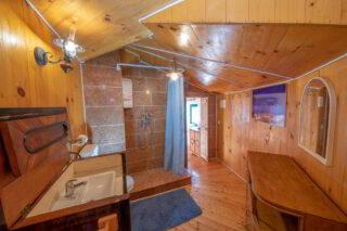 Robinson-house-Galisnjok-Bol-bathroom-2
