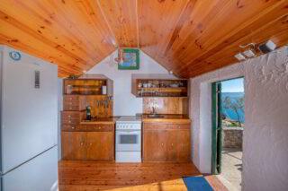Robinson-house-Galisnjok-Bol-kitchen