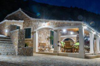Villa Linda Bol Villa with swimming pool 20