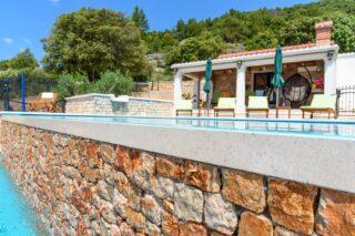 Villa Linda Bol Villa with swimming pool 3