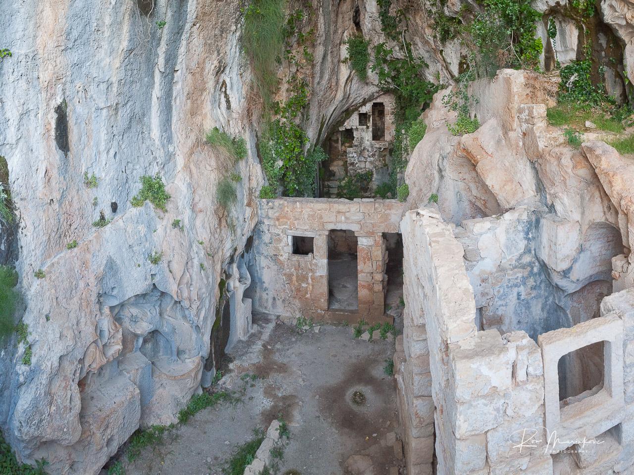 Dragon's Cave (Zmajeva Špilja)